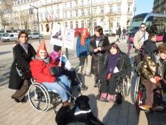 Manif des personnes à mobilité réduite Dijon 11.02.2015.JPG